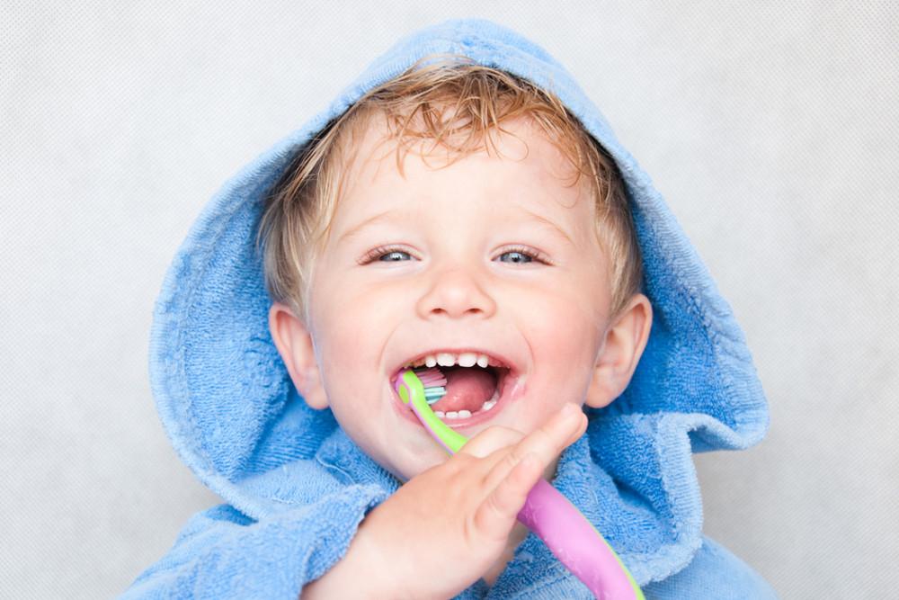 Por que levar as crianças ao dentista?